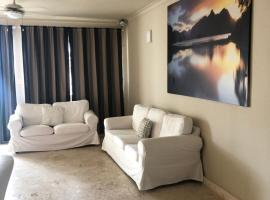 Raffaello Beach Residence, hotel in Punta Cana