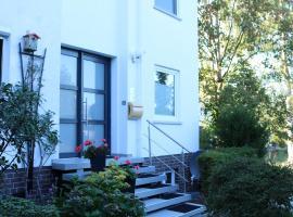 Ferienwohnung Seestern in Steinhude, ruhig gelegen , 2 Schlafzimmer, 2 Bäder, Gartennutzung, Freies WLAN, hotel in Wunstorf
