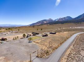 Sierra Meadows Ranch, vacation home in Mammoth Lakes