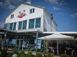Hotel Luka's, hotel u gradu Berane
