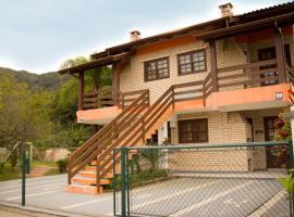 Pousada Mare Mansa, hotel near Lagoon Beach, Bombinhas