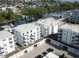 Zernsee-Perle an der Hafenpromenade in Werder, hotel in Werder