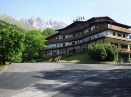 Hotel Residence La Rosa, hotell i Castione della Presolana