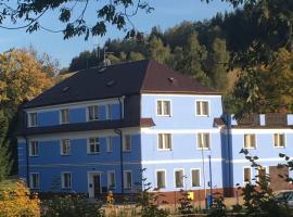 Penzion Montána – hotel w pobliżu miejsca Zamek Czocha w mieście Lázně Libverda