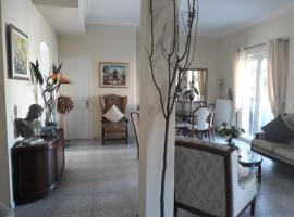 Central Luxurious Penthouse Guesthouse with Views, hotel near Onassis Cultural Centre, Athens