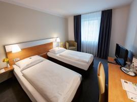 GHOTEL hotel & living München-Nymphenburg, hotel near Nymphenburg Palace, Munich