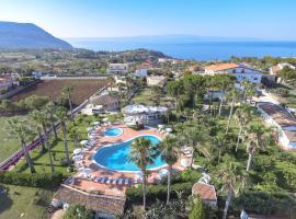 Hotel Residence Costa Azzurra, hotell i Capo Vaticano