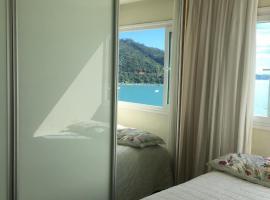 Apartamento frente ao mar, hotel near Park Cyro Gevaerd, Balneário Camboriú