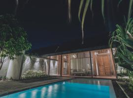 Ayom Java Village Solo, holiday home in Solo