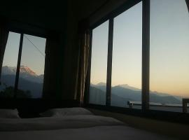 Himalayan crown lodge, hotel in Pokhara