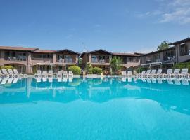 Villaggio Turistico Lugana Marina, apartment in Sirmione