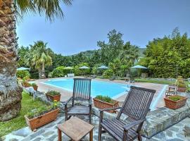 Santa Maria Villa Sleeps 2 Pool Air Con WiFi, hotel with pools in Santa Maria di Castellabate
