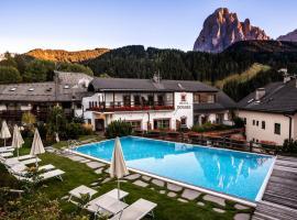 Vitalpina Hotel Dosses, hotel a Santa Cristina in Val Gardena