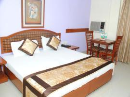 Hotel Tourist Deluxe, hotel near Feroz Shah Kotla Cricket Stadium, New Delhi