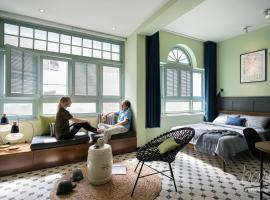 Bare Boutique Stays Riverside, hotel in Ho Chi Minh City