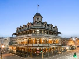 The National Hotel, hotel near Claremont Showground, Fremantle
