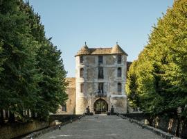 Château De Villiers-Le-Mahieu, hotel in Villiers-le-Mahieu