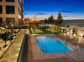 Hilton Garden Inn Sevilla, hotel en Sevilla