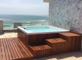 Cobertura Arraial do Cabo, hotel with jacuzzis in Arraial do Cabo