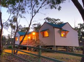 Accommodation Creek Cottages & Sundown View Suites, vacation home in Ballandean