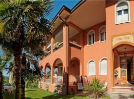 Villa Telli, hotel near Baia delle Sirene Park, Garda
