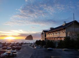 Headlands Coastal Lodge & Spa, hotel in Pacific City