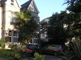 TOWNHOUSE ROOMS, homestay in Truro