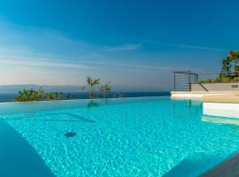 Matko's Oasis Apartments, hotel with pools in Brela