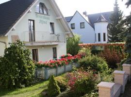 Ferienhaus Alfred, Hotel in der Nähe von: Rotkäppchen Sektkellerei, Freyburg (Unstrut)
