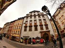 Hostel HOMEr - Old Town Square, hostel in Praag