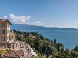 Hotel Villa Del Sogno, hotell i Gardone Riviera