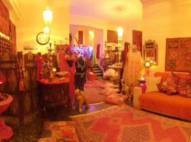 Ξενοδοχείο Ανατολή, ξενοδοχείο στην Αγία Μαρίνα Αίγινας