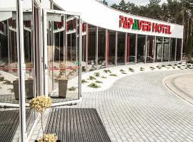 Papaver Hotel, hotel near Golf Klub Wityng, Ślesin