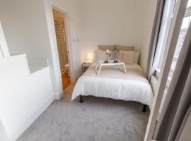 Sapphire Home Stay, hotel near Mendips John Lennon Home, Liverpool