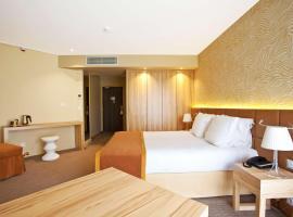 Best Western Hôtel Le Paradou Avignon Sud., Hotel in Avignon