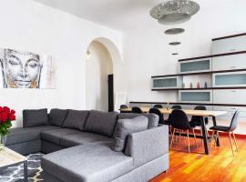 Hemeras Boutique Homes Luxury Brera 3Bdr Apartment, luxury hotel in Milan