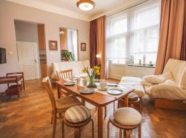 Old Town Square Artistic Apartment, budget hotel in Prague