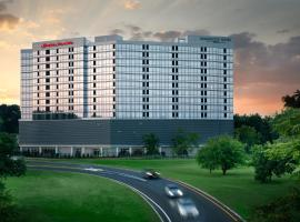 Homewood Suites By Hilton Teaneck Glenpointe, hotel near Woodlawn Cemetery, Teaneck