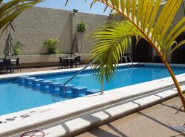 HAFERSONS INN HOTEL & SUITES, hotel con piscina en Tampico