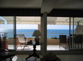 Luxury apartment facing the Mediterranean, self catering accommodation in Sète