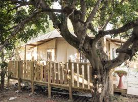 Blanco's home & Glamping, luxury tent in Santa Maria del Focallo