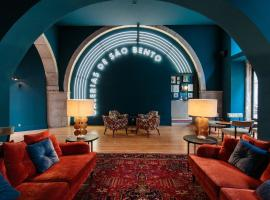 Dear Lisbon - Gallery House, B&B in Lisbon