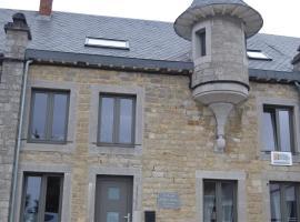 la tourelle d'Achille leontine, hotel near Domain of the Han Caves, Rochefort