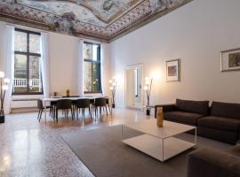 Palazzo Vendramin Costa, self catering accommodation in Venice