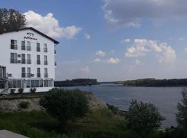 Hotel Sucidava, hotel din Corabia