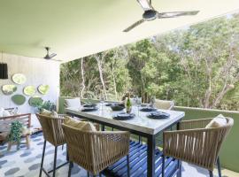 Beautiful Villa Tu-Kaán - 2BR Jungle Retreat at Aldea Zama, apartment in Tulum