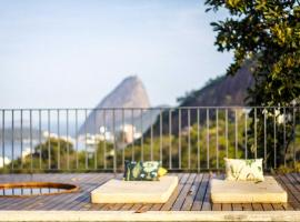 Chez Georges, hotel with pools in Rio de Janeiro