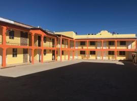 Hotel Los Pinos, hotel in Creel