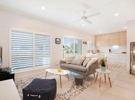Durramboi Luxury Apartment, hotel in Noosaville