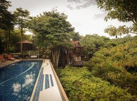 MaliHom Private Estate, hotel near Penang Botanic Gardens, Balik Pulau